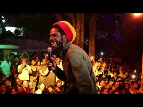 Chronixx - Skankin Sweet (Live at Dubwise Jamaica)