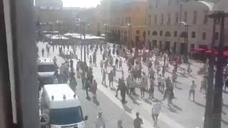 Русские фанаты выгнали Англичан с площади. Евро 2016