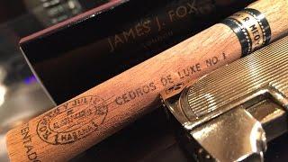 A foxy Romeo Y Julieta Cedros De luxe No.1
