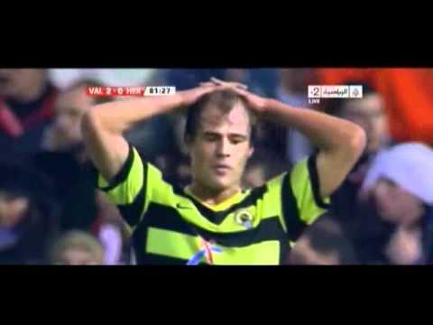 Valencia's Vicente Guaita incredible save