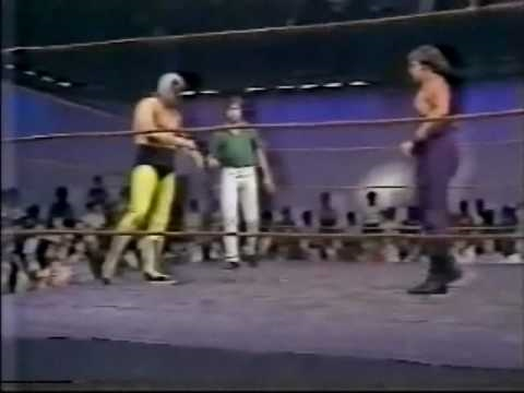 Dream Machine tarred and feathered by Jerry Lawler (1981) Classic Memphis Wrestling Angle