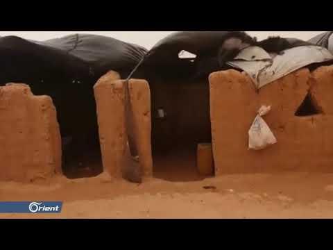 عاصفة غبارية تضرب مخيم الركبان وتزيد معاناة النازحين  - 14:53-2019 / 1 / 18