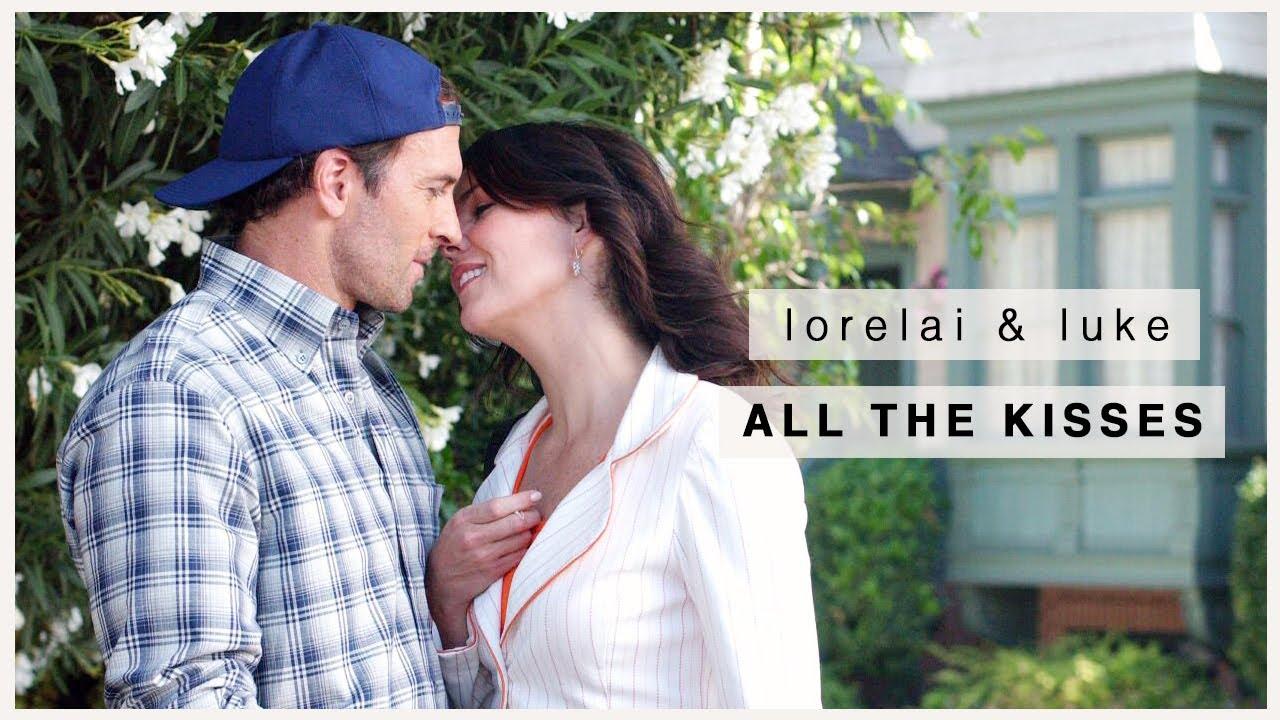 when does lorelai kiss luke