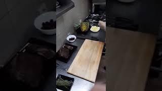 Говядина в ананаса