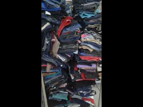 Buy  used clothes and second hand clothes and shoe  export