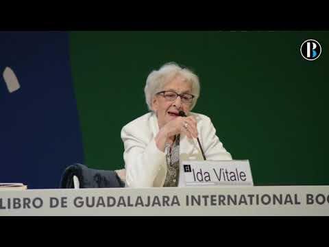 Ida Vitale aconseja a los jóvenes leer cosas distintas y releer