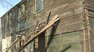 В Омске аварийный дом снесли вместе с жильцами(, 2015-04-02T05:15:10.000Z)