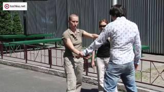 Уроки самообороны для женщин.(Больше видео на http://lady.tochka.net/video/, 2011-05-31T14:49:02.000Z)