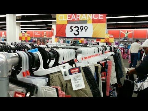 Roupas de crianças baratissimas preços/custos no VF Outlet Em Reading Pennsylvania.