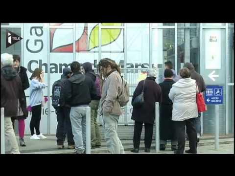 Angoulême Des Grillages Anti Sdf Sur Les Bancs Publics Youtube