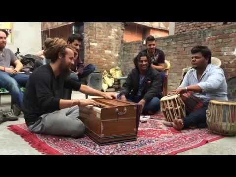 Harmonium Sazina in Ludhiana Punjab by Tahir Qawwal & friends