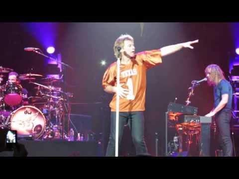 Bon Jovi - Twist And Shout  (Austin,Texas 2013) LIVE