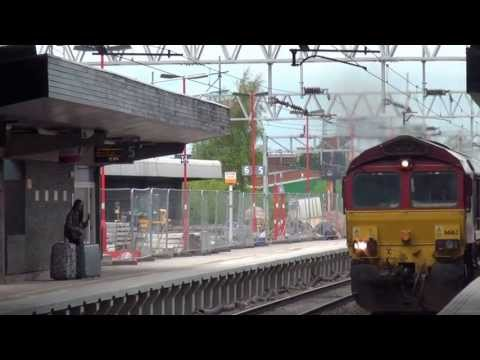 66162 Passes Stafford with JLR Cars to the Docks