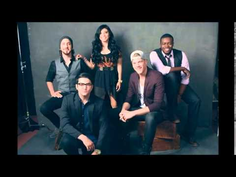 Pentatonix - That's Christmas To Me HD ( LYRICS+PICTURES) - YouTube