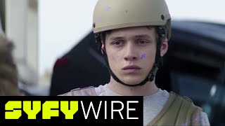 the 5th wave deleted scene zombie leader exclusive clip syfy wire