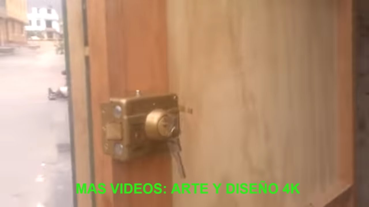 Porton de pino fenolico para garaje youtube for Como reciclar puertas de madera