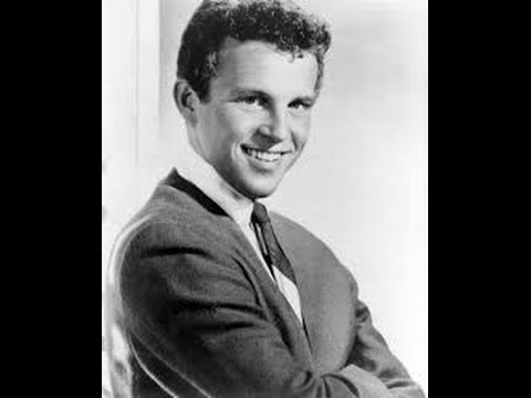 Bobby Vinton - Roses Are Red (My Love) - (c.1962) & Answer Song.