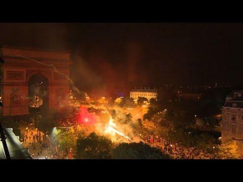 França: quase 300 detidos durante celebração da Copa