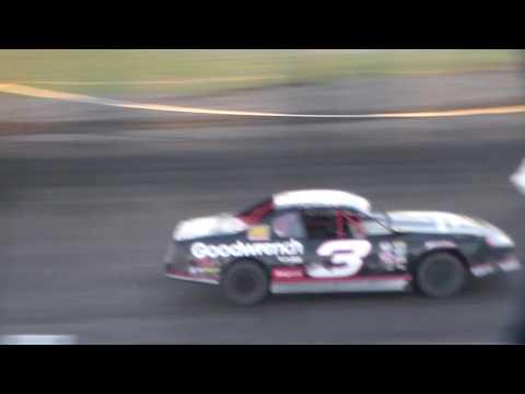 Stock Car Heat 1 @ Hancock County Speedway 05/26/17