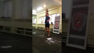 Рывок гири 50 кг одной рукой- 16 раз