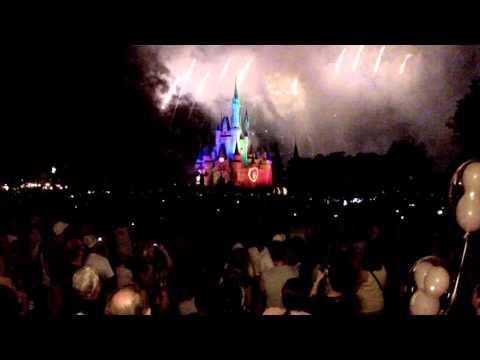 Full Walt Disney World Fireworks 9th November 2015 - Christmas Theme