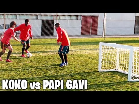 Partido de Fútbol KOKO vs PAPI GAVI con JUGADORAS DE PRIMERA DIVISIÓN
