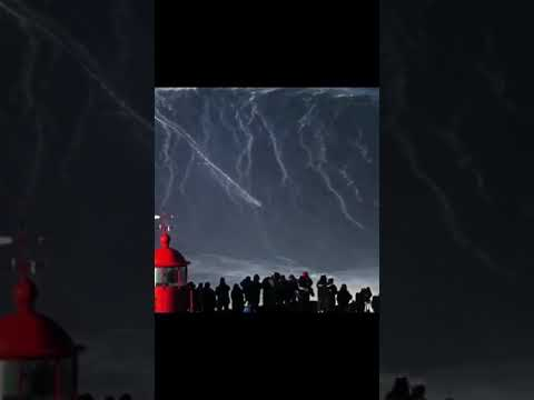 [WORLD RECORD] RODRIGO KOXA SURF UNE VAGUE DE 80 PIEDS EN DIRECT!!!