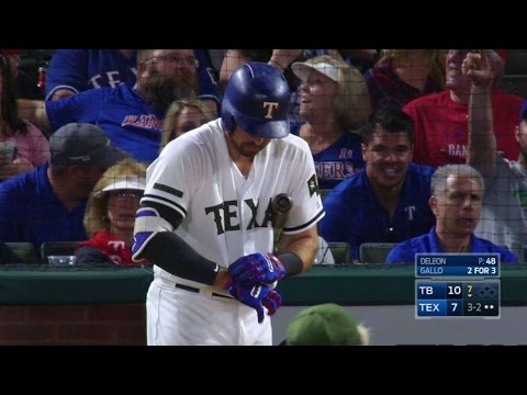 TB@TEX: Gallo lifts a foul ball out of the stadium