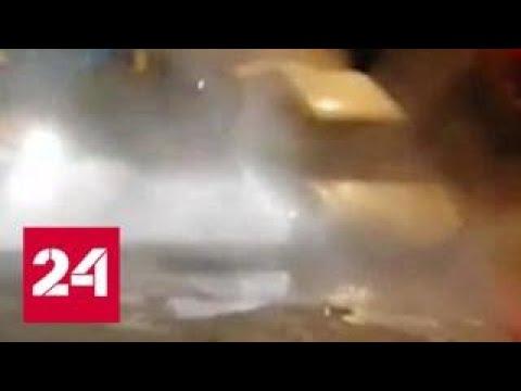 В Самаре авто с водителем провалилось в яму с кипятком
