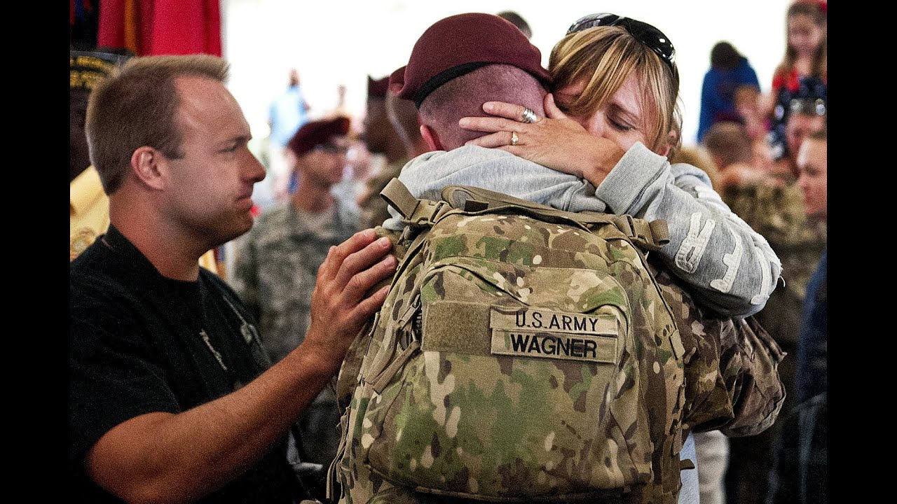 Soldiers Coming Home Surprise Compilation 10 - YouTube