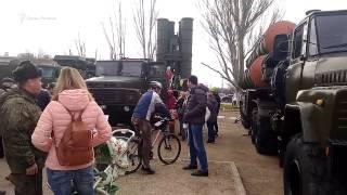 Еда вместо войны: в Севастополе военную технику вытеснила полевая кухня