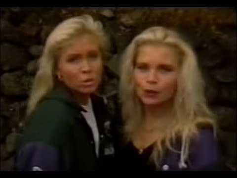 Lili & Susie - We Were Only Dancing (Short clip from Ritz)