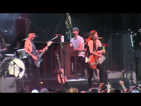"Brandi Carlile ""The Stranger At My Door"" At Hinterland Festival 2015"