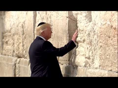 Trump visits the Western Wall