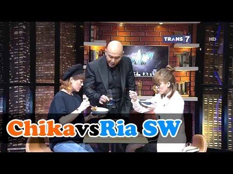CHIKA vs RIA SW Lomba Makan Mie Setan • HITAM PUTIH 9 JUNI 2017