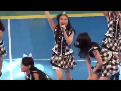 JKT48 - Manatsu No Sound Good At Pocari Futsal 16 November 2013