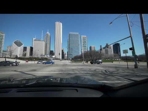 A Chicago skyline drive through Grant Park
