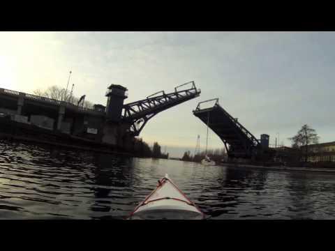Kayaking the Seattle ship canal