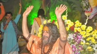 Swami Vishwatmanand ji- Sakshat Parmatma.wmv