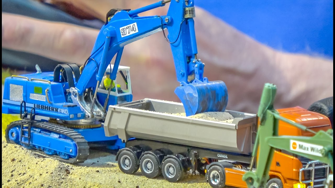 incredible rc trucks tractor and excavator in 1 87 scale. Black Bedroom Furniture Sets. Home Design Ideas