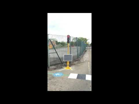 TS Solar Powered Remote Controlled Traffic Light