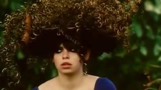Смотреть клип La Femme - Oh Baby Doll