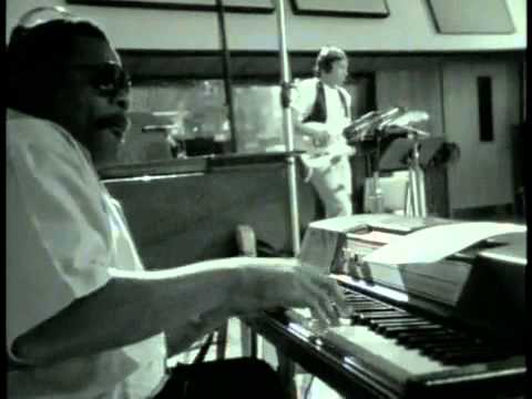 Al Greene & Lyle Lovett - Funny How Time Slips Away