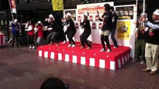 2011.11.5 B1グランプリIN姫路 壮行会 八戸市 中合三春屋店前にて ...