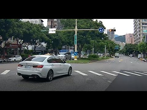(台灣違規日常)天母忠誠路 車牌:BMW-0316 出巷子沒有停 沒打方向燈 闖紅燈  名車三寶