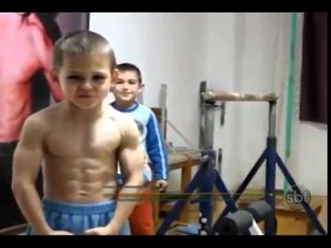 Meninos hrcules aparecem ainda mais musculosos e celebram fama meninos hrcules aparecem ainda mais musculosos e celebram fama youtube altavistaventures Images