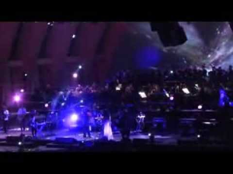 M83 - Splendor (with Brad Laner) Hollywood Bowl 9/22/13 Improved Audio