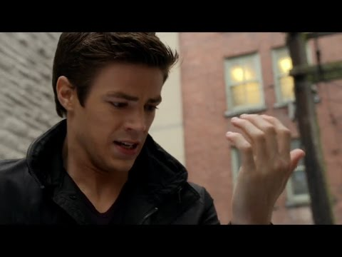 THE FLASH - Barry Allen se da cuenta que tiene poderes - TheFlashFans