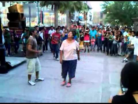 Bailando en plaza de Monclova