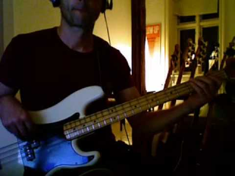 Rufus - Right street - bass playalong excerpt